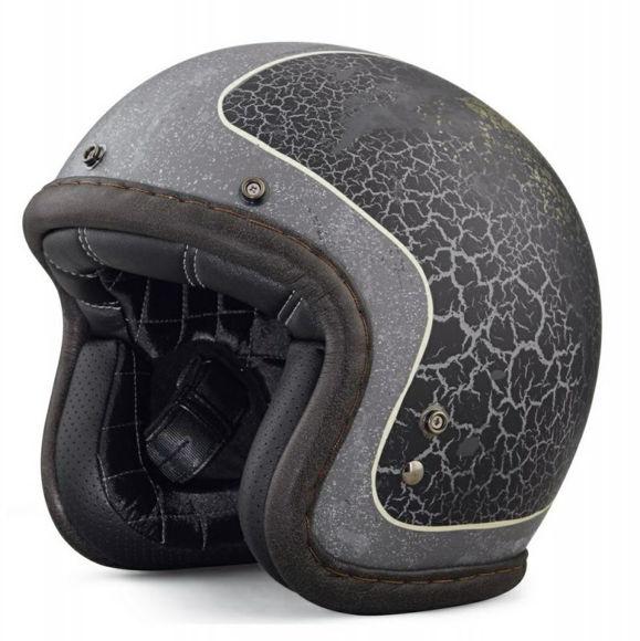 Front view of needles highway b01 34 helmet
