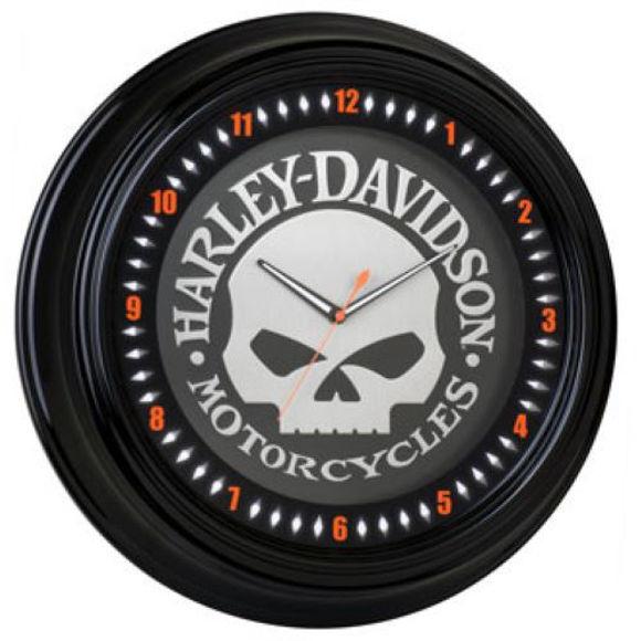 skull neon clock